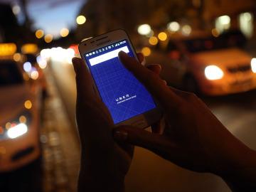 Aplicación de Uber en un teléfono móvil