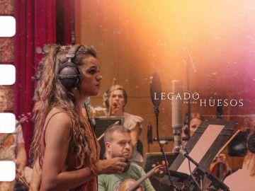 Amaia canta 'Luz y sombra' para 'Legado en los huesos'